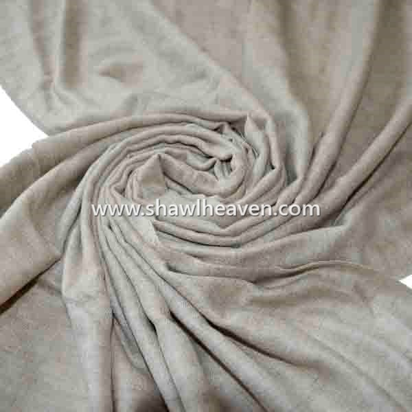 Natural cashmere scarves from indian manufacturer @shawlheaven